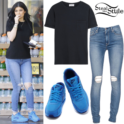 Kylie Jenner out and about in Los Angeles. August 7th, 2015 - photo: FameFlynet