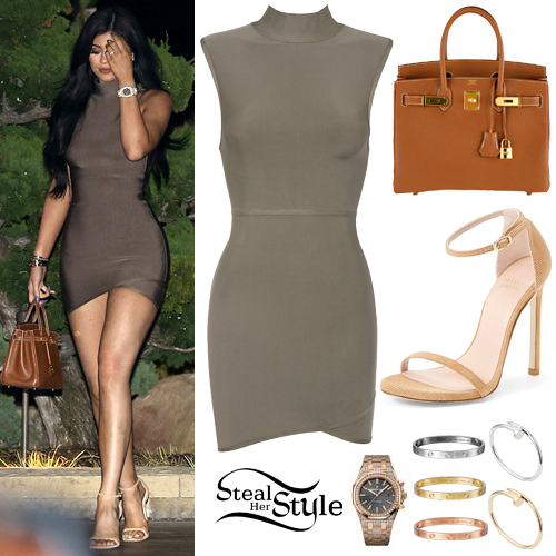 Kylie Jenner leaving Nobu Restaurant with her family. August 24th, 2015 - photo: AKM-GSI