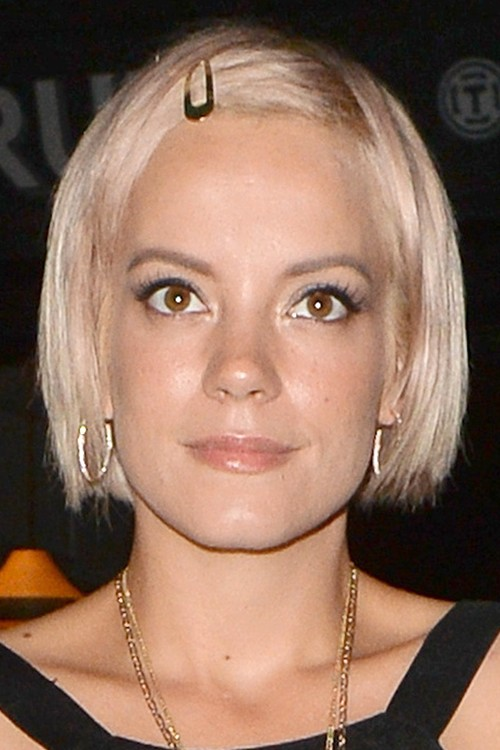 Lily Allen Straight Platinum Blonde Blunt Cut, Choppy Bangs Hairstyle ... Lily Allen