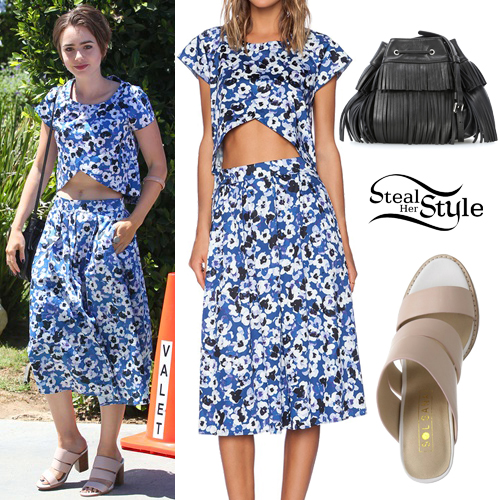 Lily Collins arriving at the Jennifer Klein's Day of Indulgence Summer Party in Brentwood. August 16th, 2015 - photo: FameFlynet