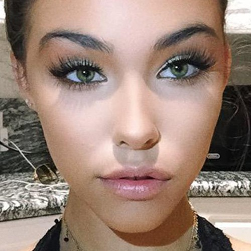 Madison Beer Makeup Gray Eyeshadow Silver Eyeshadow Amp Pink Lipstick Steal Her Style