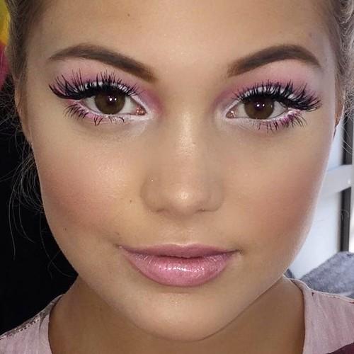 Olivia Holt Makeup Pink Eyeshadow White Eyeshadow Amp Pink