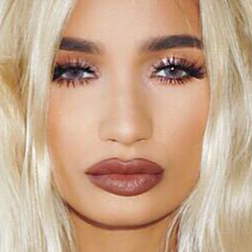 pia mia perez 39 s makeup photos products steal her style. Black Bedroom Furniture Sets. Home Design Ideas