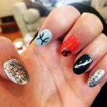 sarah-hyland-nails-2