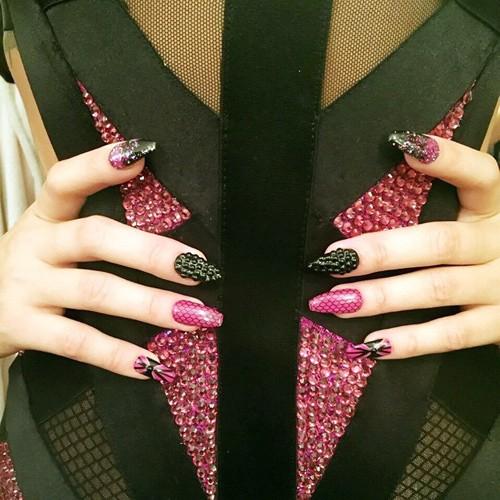 Stiletto Nails ...