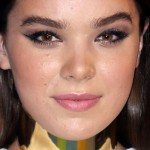 Hailee Steinfeld attends The 2015 MTV Video Music Awards in Los Angeles
