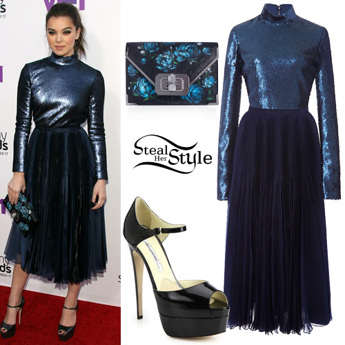Hailee Steinfeld at the VH1's Annual Streamy Awards in Los Angeles. September 17th, 2015 - photo: AKM-GSI