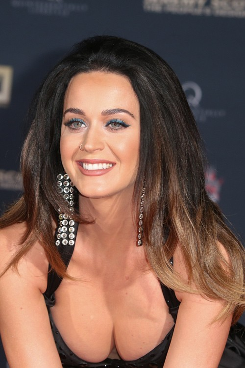 Katy Perry's Hairstyles & Hair Colors | Steal Her Style Katy Perry