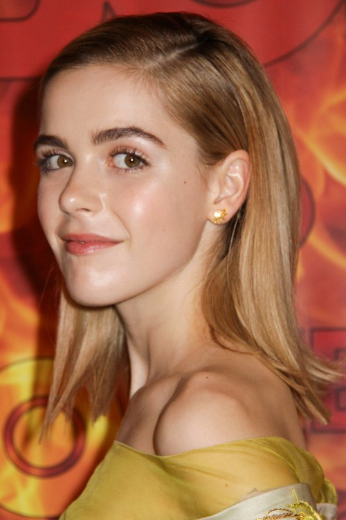 Kiernan Shipka S Hairstyles Amp Hair Colors Steal Her Style