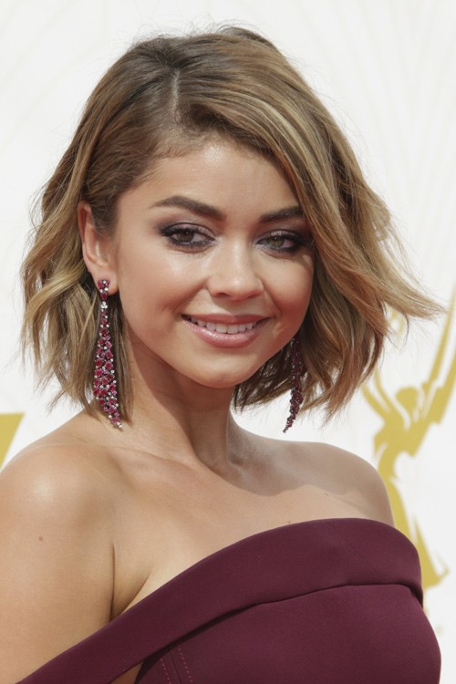 Top Sarah Hyland Wavy Medium Brown All-Over Highlights, Bob, Shaggy  GP06