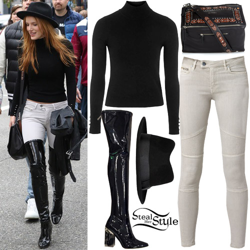 a7dcc290b83 Bella Thorne out and about in Vancouver. October 24th