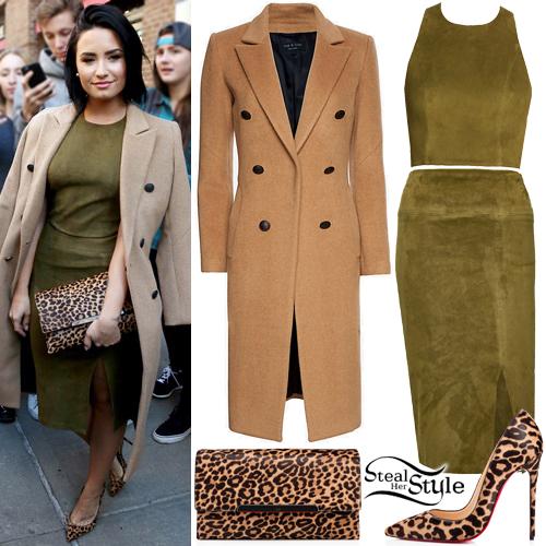 Demi Lovato leaving the Greenwich Hotel in New York. October 15th, 2015 - photo: AKM-GSI