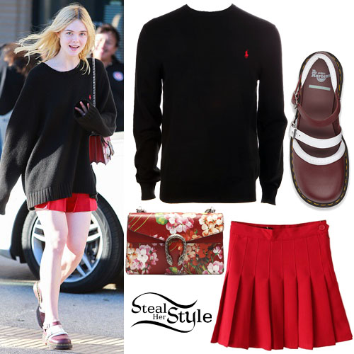 Elle Fanning leaving Barneys New York. October 29th, 2015 - photo: FameFlynet