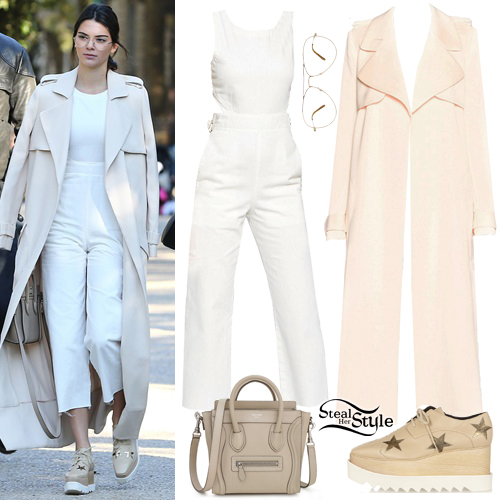 fdc338989aa Kendall Jenner at Parc Monceau in Paris. October 2nd