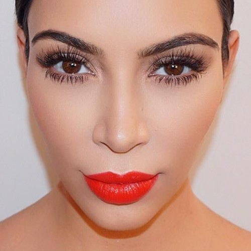 Kim Kardashian's Makeup Photos & Products | Steal Her Style