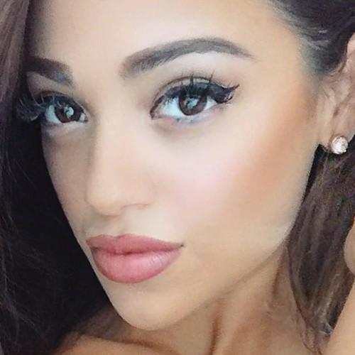 Gabi Demartino S Makeup Photos Amp Products Steal Her