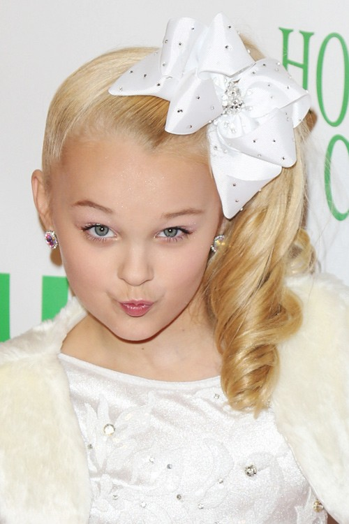 jojo siwa wavy golden blonde hair bow ponytail hairstyle steal her style