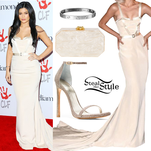 kylie_jenner05 Kylie Jenner Outfits-10 Best Dressing Styles of Kylie Jenner