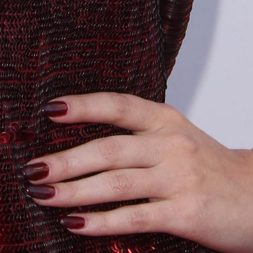 selena gomez burgundy nails steal her style
