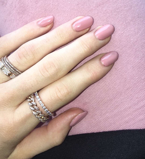 Emmy Rossum Makeup - Emmy Rossum Beauty - StyleBistro