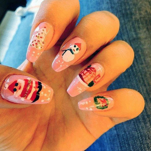 Celebrity Nail Art Photos With Santa Claus Steal Her Style
