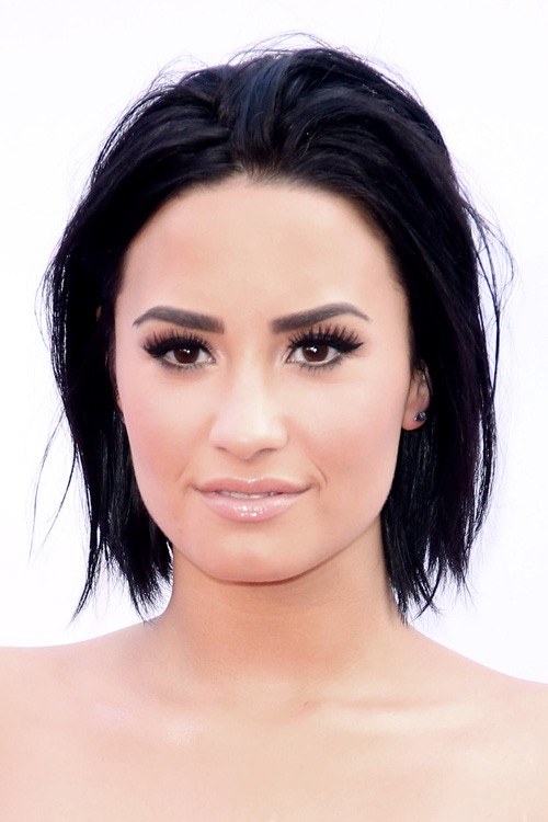 demi lovato straight black bob layered bob hairstyle