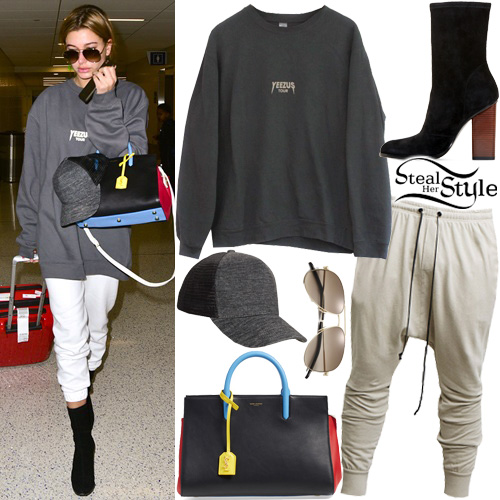 97e4ead2530 Hailey Baldwin at LAX Airport in Los Angeles. February 19th