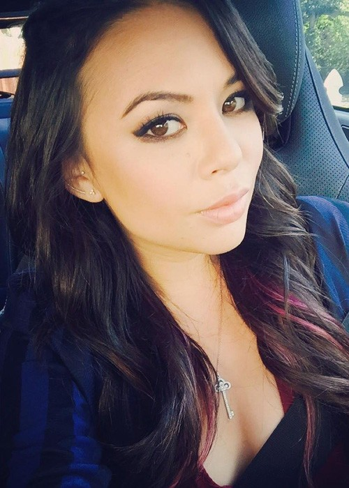 janel parrish wavy dark brown loose waves peekaboo