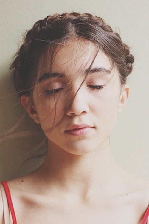 Rowan Blanchard S Hairstyles Amp Hair Colors Steal Her Style