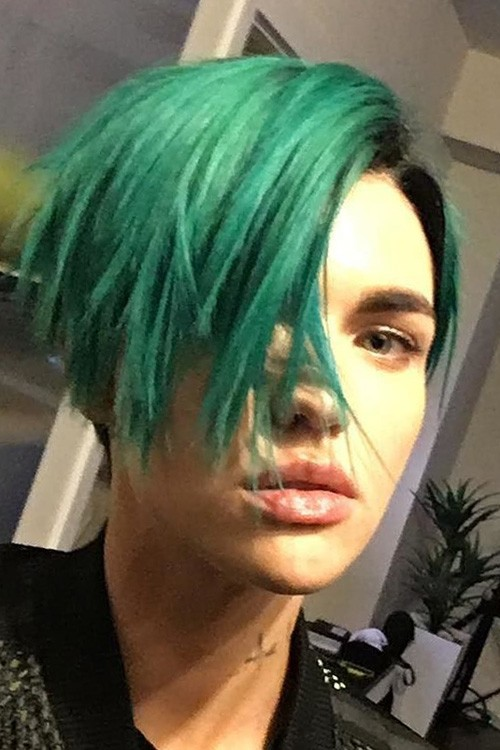 Ruby Rose Straight Green Angled Bob Bob Uneven Color