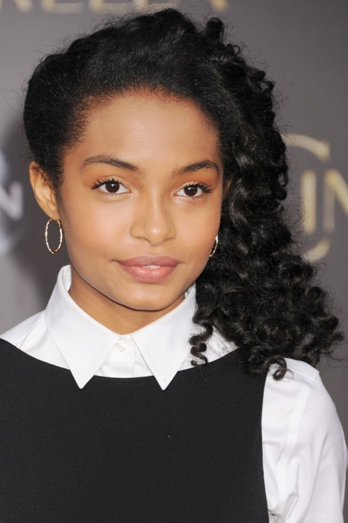 Yara Shahidi Curly Black Afro Side Part Hairstyle Steal