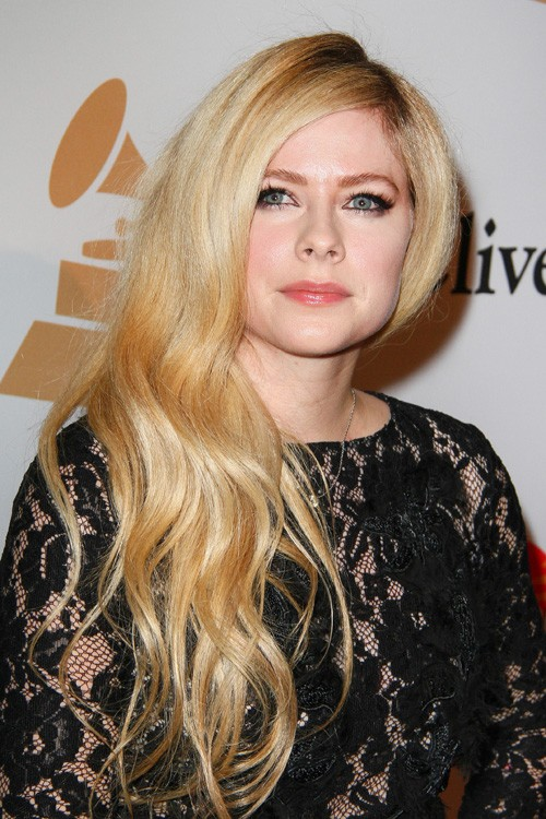 Avril Lavigne's Hairst... Avril Lavigne