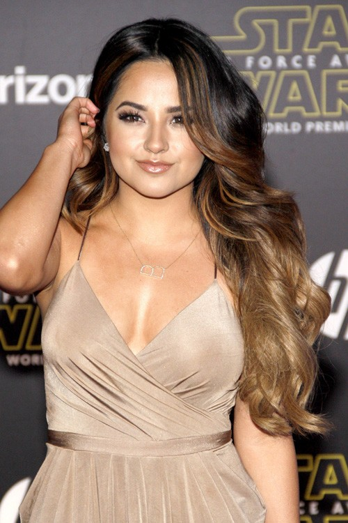 Becky G S Hairstyles Amp Hair Colors Steal Her Style