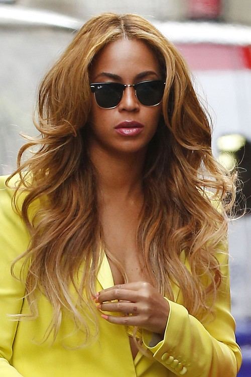 Pleasing Beyonce Wavy Medium Brown Long Layers Hairstyle Steal Her Style Hairstyle Inspiration Daily Dogsangcom