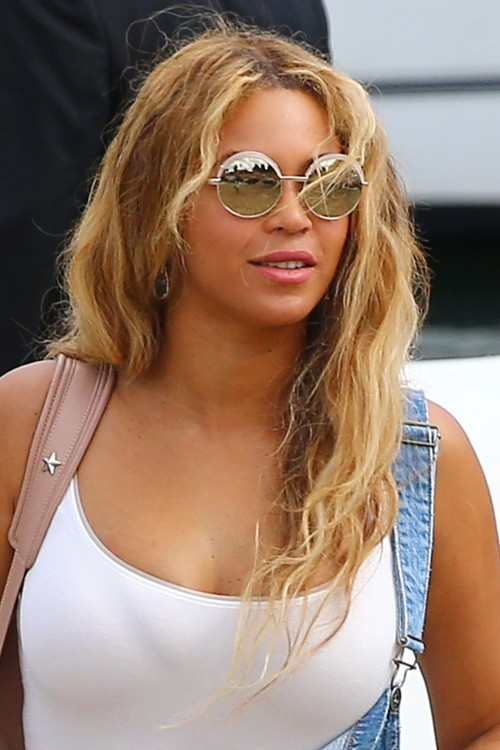 beyonc233s hairstyles amp hair colors steal her style