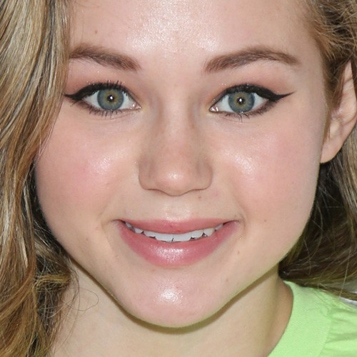 12 06 2015 brec bassinger 3rd annual toy wrap party benefiting