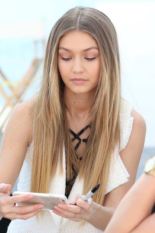 Gigi hadid straight medium brown angled ombr 233 hairstyle steal her