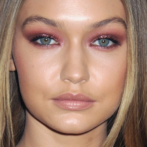 Gigi Hadid S Makeup Photos Amp Products Steal Her Style