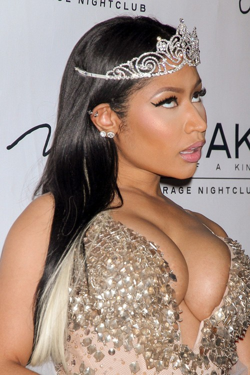 Nicki Minajs Hairstyles Hair Colors