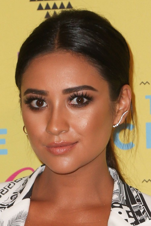Shay Mitchell's Hairstyles & Hair Colors | Steal Her Style | Page 3