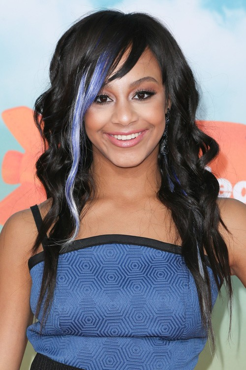 Nia Sioux Frazier S Hairstyles Amp Hair Colors Steal Her Style