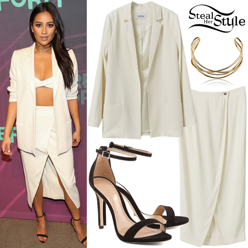 Shay Mitchell attend the 2016 Freeform Upfront at Spring Studios in New York City. April 7th, 2016 - photo: AKM-GSI