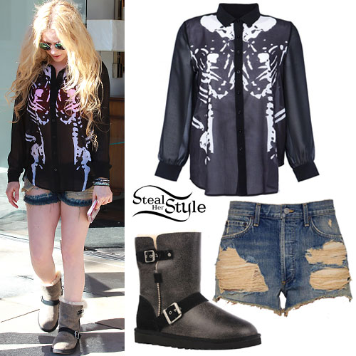 Avril Lavigne: Skeleton Blouse, Buckle Uggs