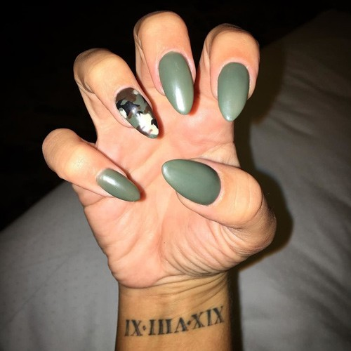Camouflage Nails - 10 Celebrity Nail Art Photos With Camouflage Steal Her Style