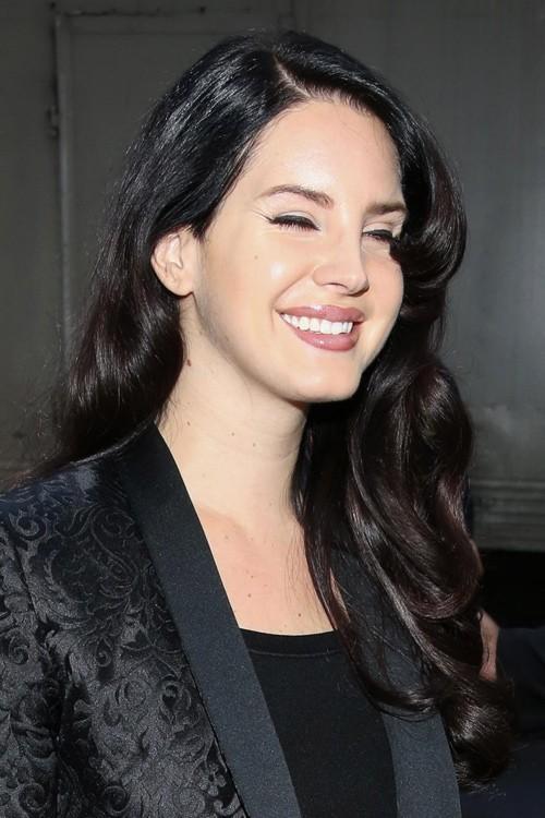 f49478c0842 Lana Del Rey s Hairstyles   Hair Colors