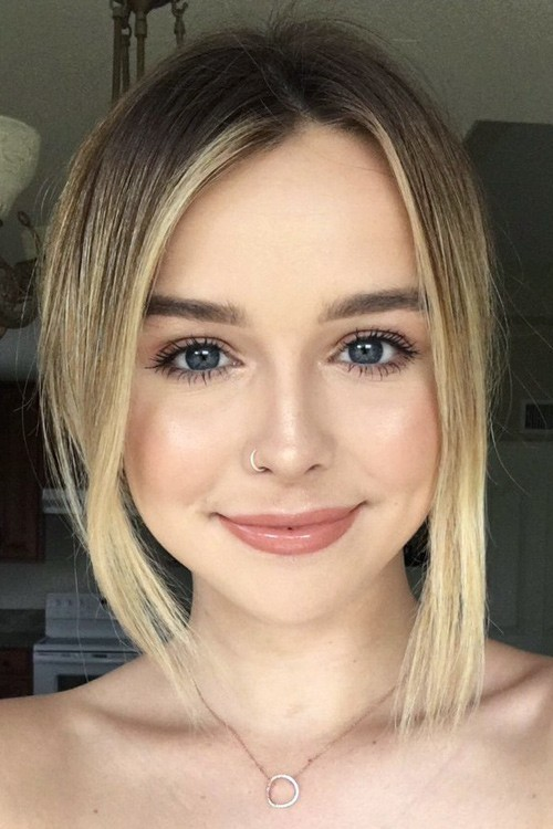 Acacia Brinley Clark S Hairstyles Amp Hair Colors Steal