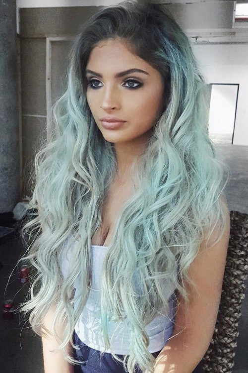 Carrington Durham S Hairstyles Amp Hair Colors Steal Her Style