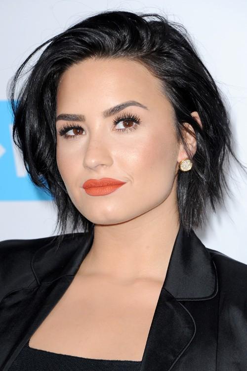 Demi Lovato Straight Black Bob, Layered Bob Hairstyle | Steal Her ... Vanessa Hudgens Straight Hair