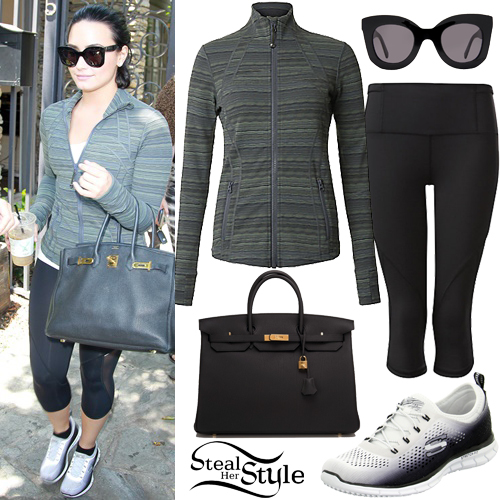 Demi Lovato leaving a music studio in Los Angeles. June 7th, 2016 - photo: AKM-GSI