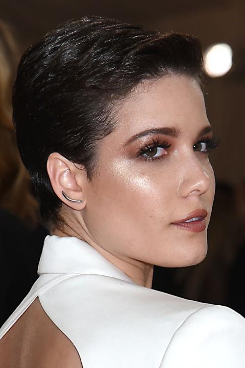 Kourtney kardashian haircut 2018